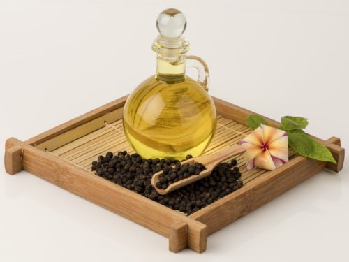 12 Reasons To Use Black Pepper Essential Oil
