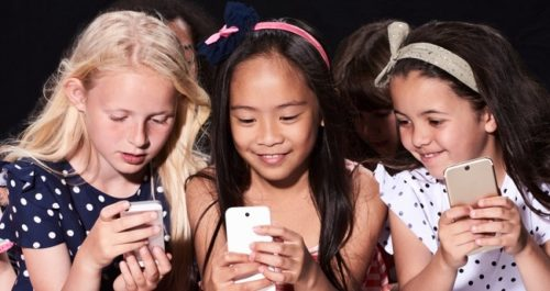 France Has Banned Children Under 15 To Use Their Smartphones In School