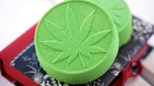 These Are The Benefits Of Bathing In Cannabis With CBD Bath Bombs